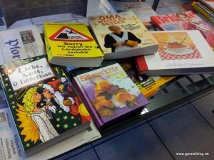 Bücher im Wartebereich