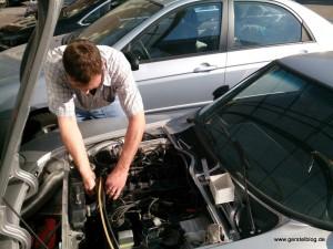 Reparatur an einem historischen Opel GT