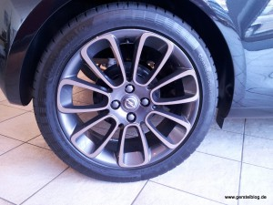 Opel ADAM 17-Zoll-Leichtmetallräder Roulette-Design