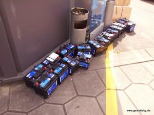 Eine Ersatzteillieferung Autobatterien