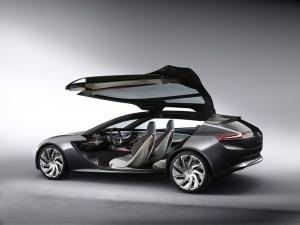 Opel Monza Concept Seitenansicht mit offener Flügeltür