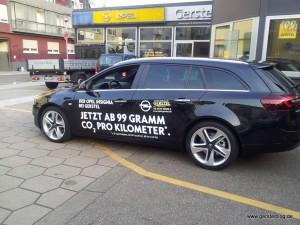 Opel Insignia mit Beklebung