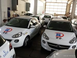 22 Opel ADAM mit Diakonie-Pforzheim-Beklebung