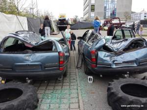Opel Omega nach einem Monster-Car-Besuch
