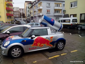 Red-Bull-Promotionfahrzeug auf Basis eines Mini