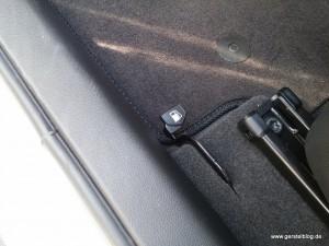 Hebel zum Öffnen der Tankdeckelabdeckung im Opel KARL