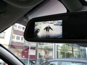 Rückspiegel im Opel Vivaro ohne Bild der Rückfahrkamera