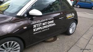 Opel ADAM mit ohne Kupplungspedal.