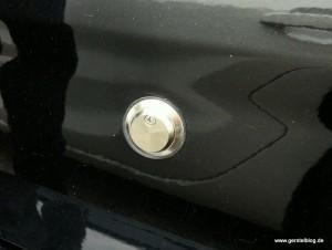 Zusätzlicher Schließzylinder in einem Opel-Fahrzeug