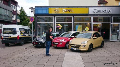 Opel ADAM in Schwarz-Rot-Gold