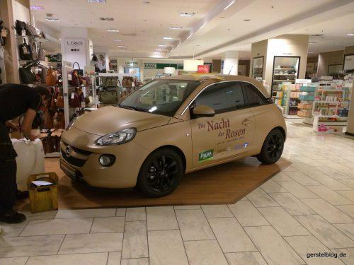 Und fertig - der Opel ADAM in der GALERIA Kaufhof
