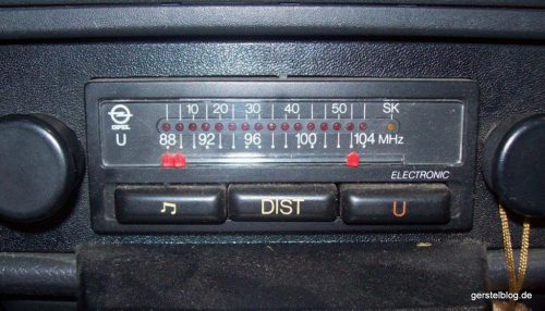 Analoges Opel-Autoradio